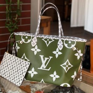 LOUIS VUITTON neverfull giant tote new